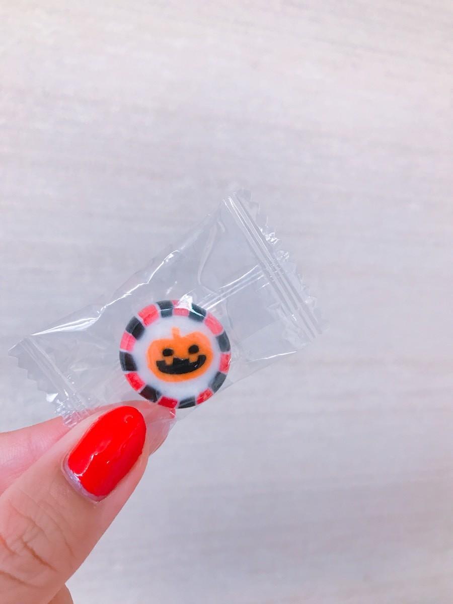 HW・Xmas・迎春のお菓子のプチスイーツを絶賛発売中!!
